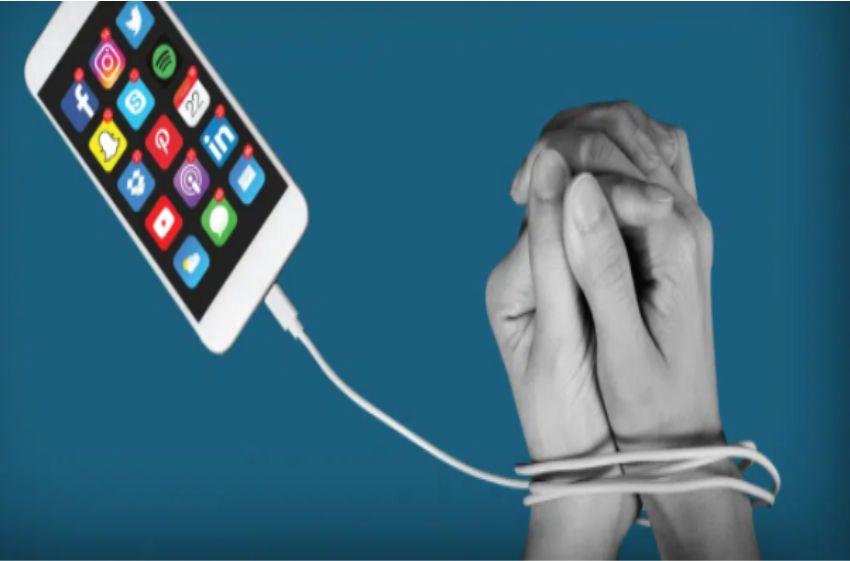 Trắc nghiệm xem bạn có nghiện điện thoại không?